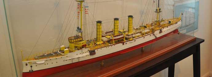 Rendsburger Schiffahrtsarchiv Modell Kreuzer Emden